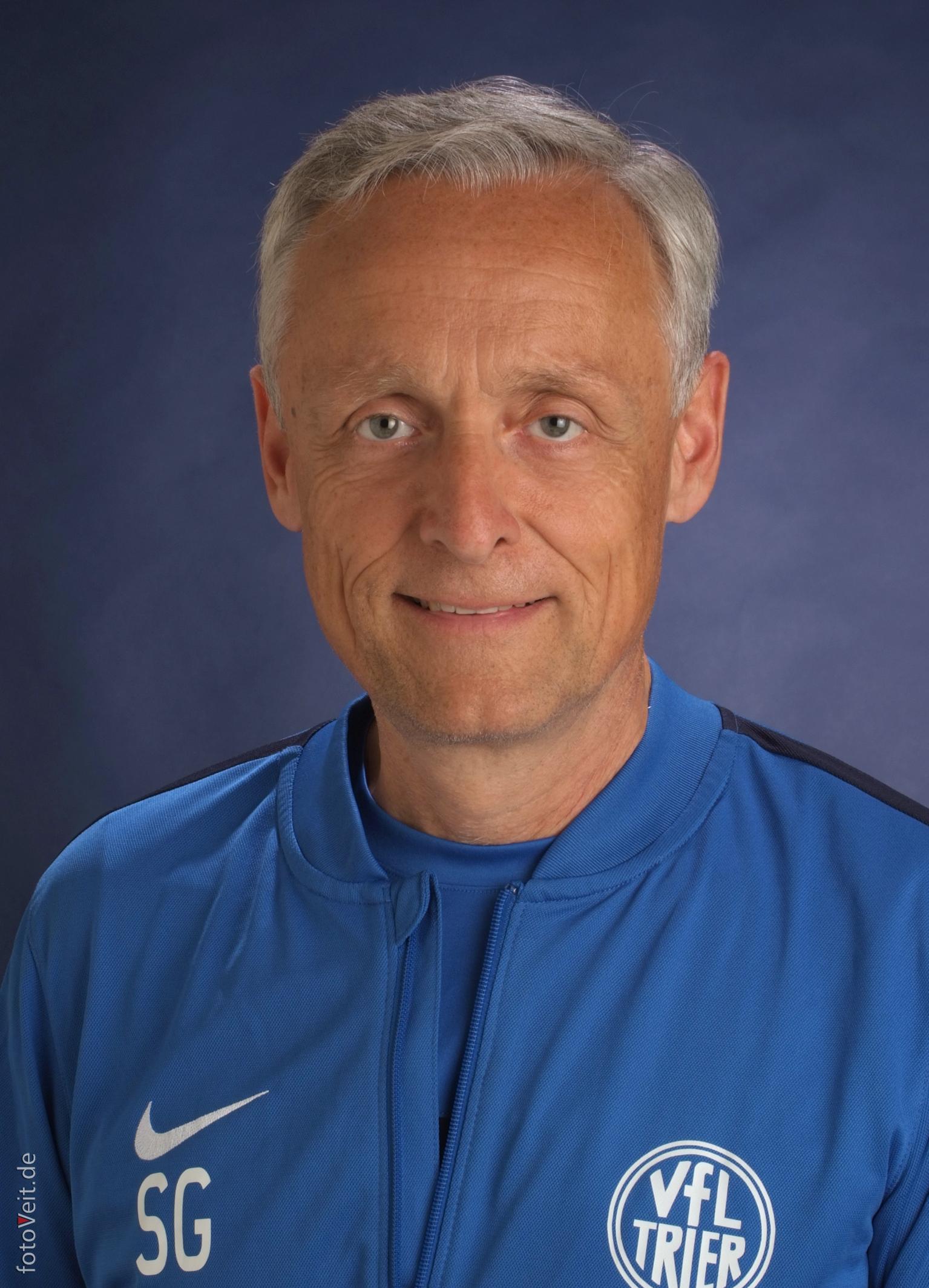 Dr. Stefan Grabowsky*